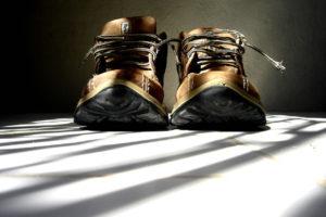 1足しかない仕事用の靴を履き続けた結果 水虫の痛みに苦しみ長期治療が必要に